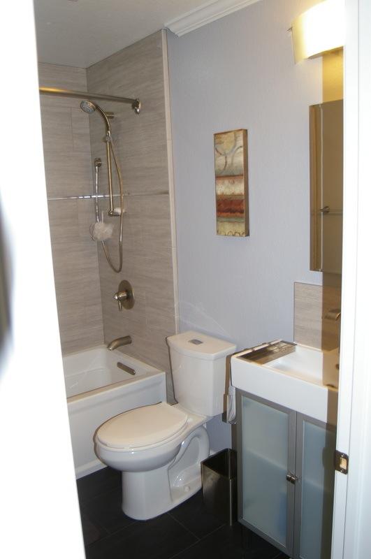Bathroom remodeling bathroom cabinets escondido san for Bath remodel temecula
